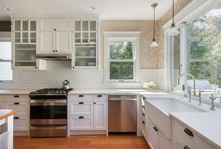 现代简约风格卧室唯美白色欧式家具富裕型装修图片