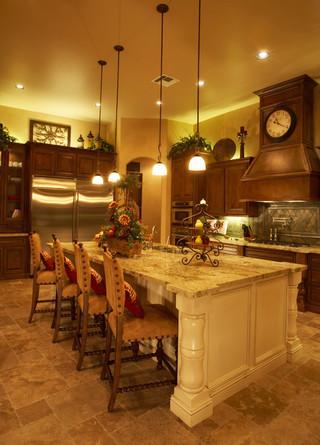 欧式风格卧室一层半小别墅豪华欧式卧室红木家具餐桌图片
