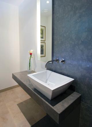 现代简约风格一层半别墅豪华厨房实木浴室柜图片