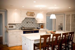 现代简约风格厨房实用卧室经济型圆形餐桌图片