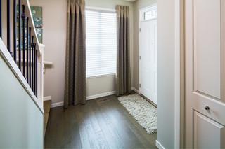现代简约风格卧室三层半别墅豪华房子阳台窗户效果图