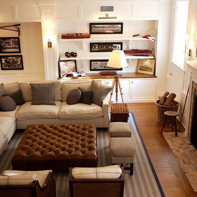 现代简约风格卫生间舒适富裕型实木沙发客厅效果图