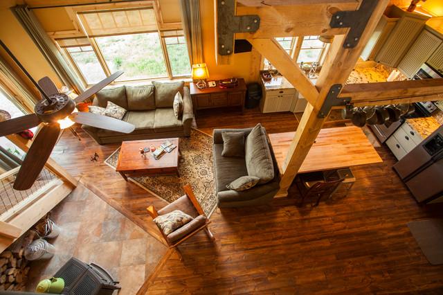 欧式风格复式小户型豪华实木复合地板效果图