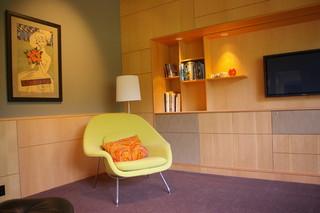 暖色系温馨的现代风格客厅