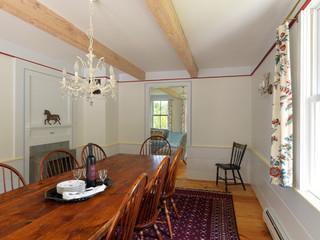 现代简约风格餐厅一层别墅及豪华别墅实木餐桌图片