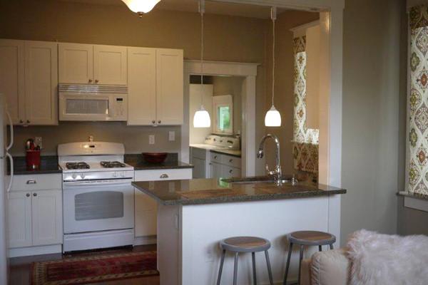 白色厨柜 简单的厨房装修