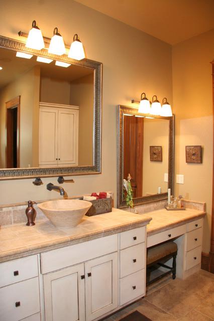 美式乡村风格客厅三层小别墅可爱品牌浴室柜效果图