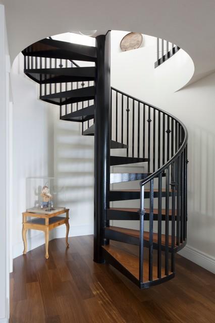 式风格一层半小别墅唯美室内旋转楼梯效果图高清图片