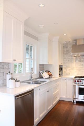 现代欧式风格复式客厅吊顶简单温馨整体厨房设计图装修