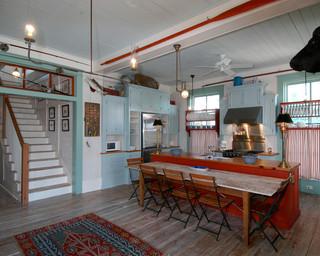 现代美式风格海边别墅唯美复式楼梯装修图片