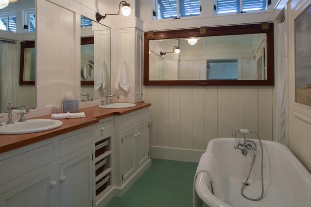 美式风格卧室海边别墅唯美浴缸龙头图片