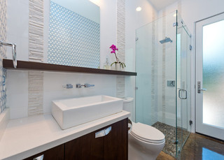 现代简约风格卫生间三层双拼别墅豪华客厅2014年卫生间装修效果图