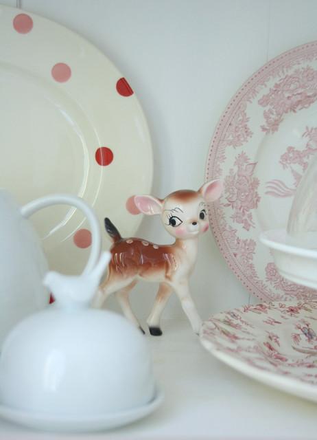 混搭风格300平别墅可爱卧室根雕茶几图片