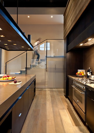 欧式风格家具三层连体别墅舒适玄关过道吊顶设计