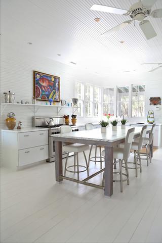 新古典风格卧室三层别墅新古典沙发实木圆餐桌图片