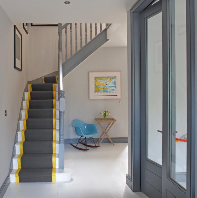 现代简约风格客厅300平别墅时尚衣柜室内装修楼梯装修效果图
