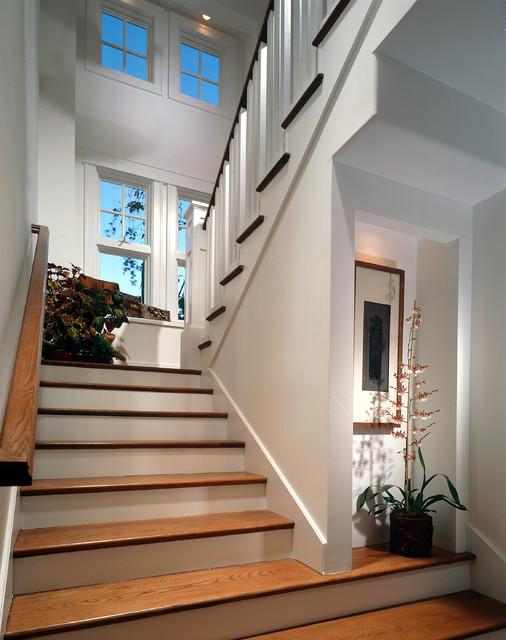 欧式风格一层半别墅舒适室内阁楼楼梯效果图高清图片