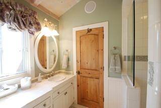 欧式风格家具公寓简单温馨卧室门效果图