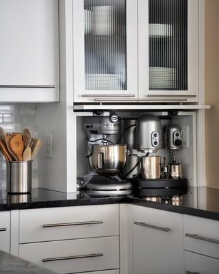 现代简约风格三层平顶别墅简洁厨房推拉门效果图