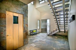 北欧风格三层别墅及简单温馨室内楼梯效果图