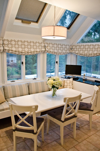 地中海风格客厅3层别墅客厅简洁家用餐桌图片