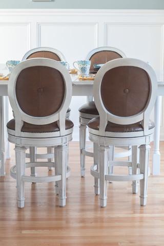 现代简约风格卧室三层连体别墅大方简洁客厅宜家椅子图片