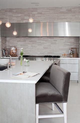 现代简约风格卧室小公寓浪漫婚房布置中式餐桌图片
