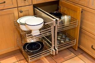 欧式风格客厅小型公寓稳重厨房推拉门装潢