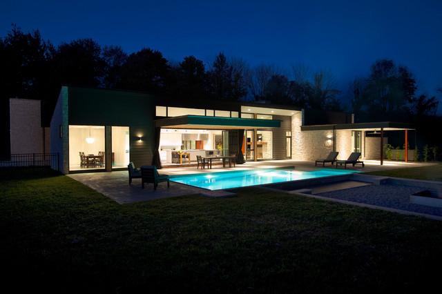 欧式风格3层别墅简单温馨别墅游泳池效果图
