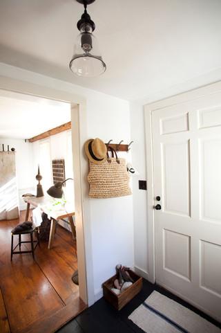 田园风格窗帘酒店式公寓简单温馨雕花木门效果图