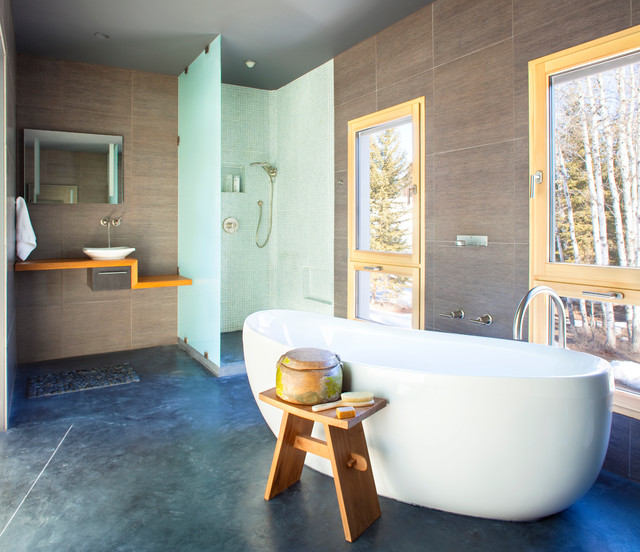 地中海风格家具精装公寓唯美普通浴缸效果图