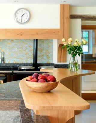 现代简约风格公寓客厅简洁快餐桌图片