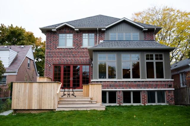现代欧式风格三层独栋别墅简洁卧室露台花园设计