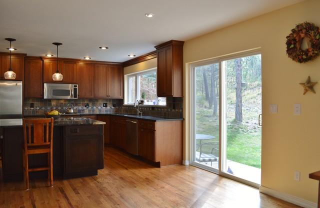 中式风格2014年别墅温馨卧室厨房推拉门装修