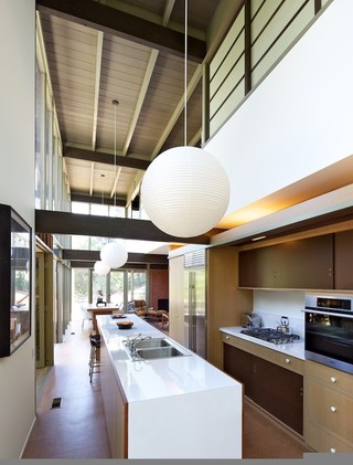 简欧风格装修 宽阔厨房给主妇足够的发挥空间