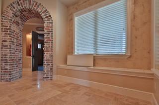 美式风格卧室一层半小别墅温馨卧室客厅过道吊顶效果图