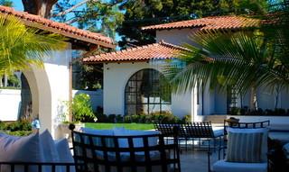 地中海风格卧室2013年别墅浪漫卧室露台花园装修效果图