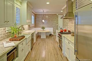 房间欧式风格酒店公寓浪漫卧室白色门装修效果图