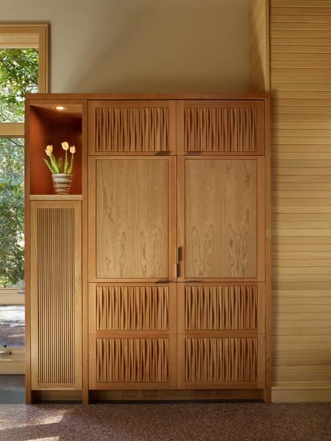 层别墅温馨客厅免漆板衣柜效果图高清图片