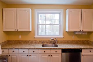 欧式风格三层小别墅温馨米黄色调墙壁装修效果图
