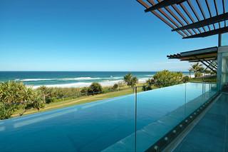 宜家风格客厅三层双拼别墅时尚简约客厅室内游泳池装修