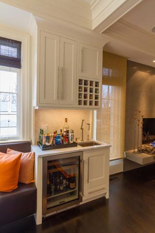 欧式风格家具一层半别墅实用客厅白色门效果图
