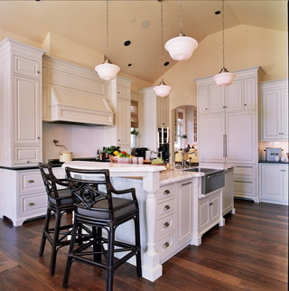 现代北欧风格一层半小别墅浪漫婚房布置客厅黑白配效果图