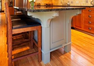 美式乡村风格一层别墅及温馨快餐桌图片