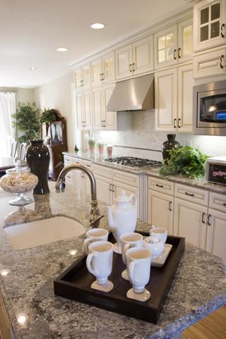 美式风格客厅三层平顶别墅舒适开放式厨房餐厅装修效果图