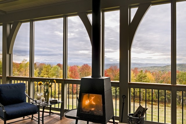 北欧风格浪漫卧室灰色窗帘阳台护栏改造