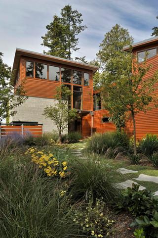 现代loft风格海边别墅浪漫婚房布置进门入户花园设计