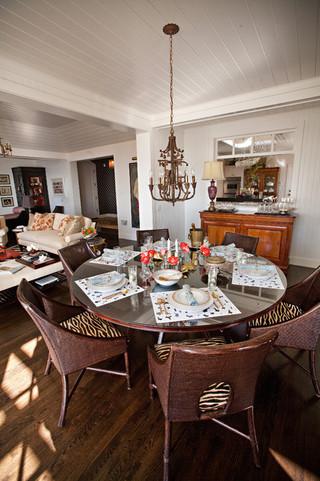 地中海风格浪漫婚房布置白色卧室家庭餐桌效果图