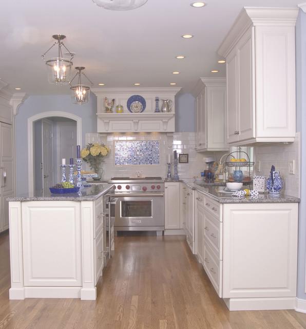 美式风格卧室复式别墅白色地毯20万以上效果图