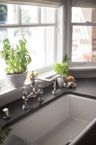 混搭风格客厅经济型140平米以上洗手台图片
